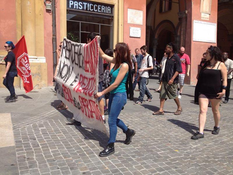 Stop sfratti Imola (foto fb Brigata 36)