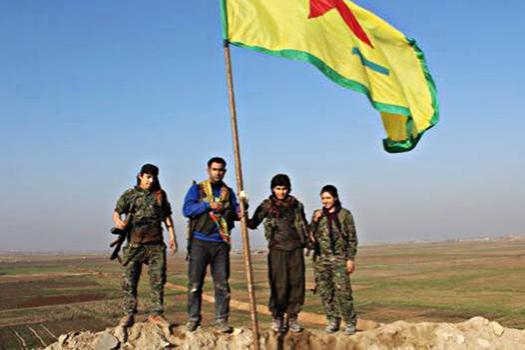 Kobane, combattenti YPJ/YPG (fb Rojava Breaking News)