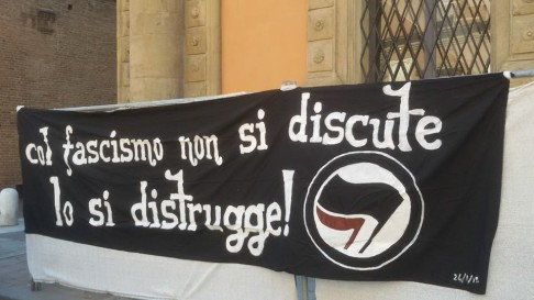 Presidio antifa (foto fb Hobo)