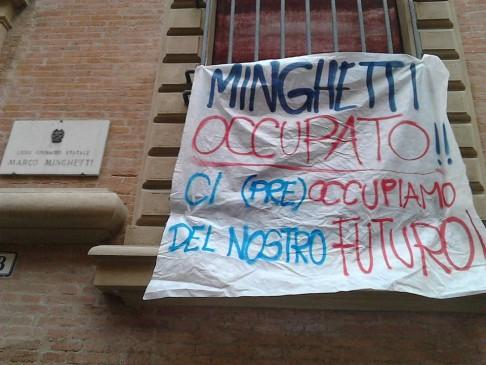 Occupazione (foto fb Collettivo Minghetti)