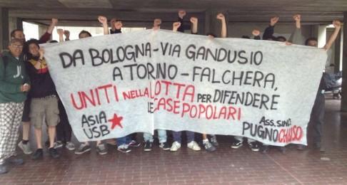 Picchetto antisfratto (foto fb Asia Usb)
