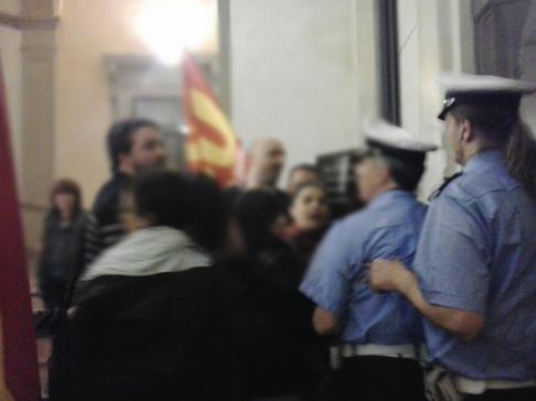 Protesta in consiglio comunale (repertorio Zic.it)