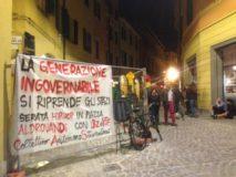 Striscione in via Petroni (foto fb Cas)