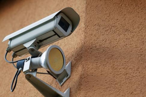 Telecamere di sorveglianza (foto da flickr  @Ervins_Strauhmanis)