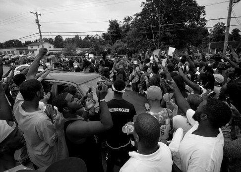 "Ferguson, MO: ""Hands Up, Don't Shoot"" (ph: Shawn Semmler/Flickr)"