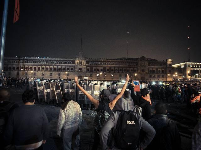 Manifestazione a Città del Messico per i desaparecidos di Ayotzinapa - Fotografie di Giulia Iacollutti