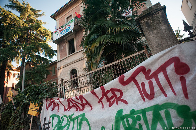 Occupazione Làbas viale Aldini (© Michele Lapini)