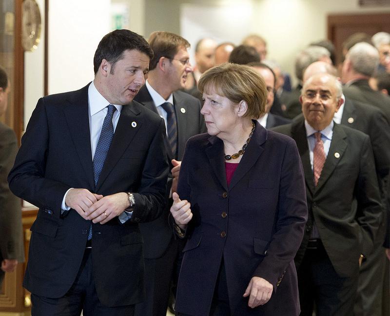 Renzi e Merkel al Consiglio Europeo - 18/12/2014 (foto flickr PalazzoChigi)