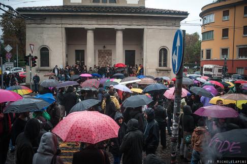 Corteo Atlantide dopo lo sgombero (repertorio - © Michele Lapini)