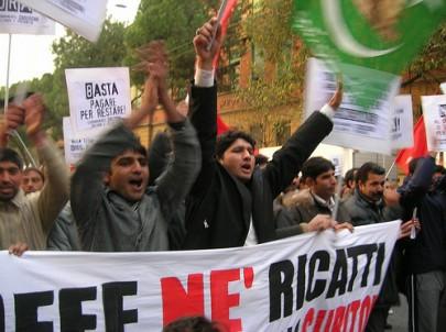 Corteo migranti (foto Zic, repertorio)