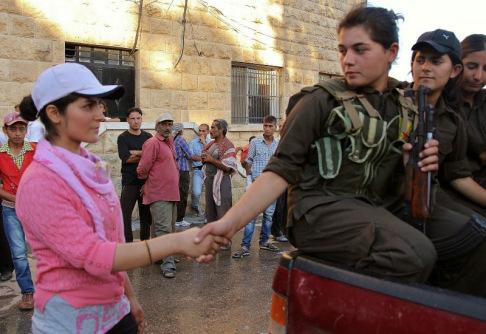 Le donne di Kobane (foto di bache basiji da Google+)