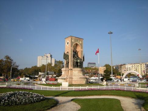 Piazza Taksim (foto Leandro Neumann Ciuffo)