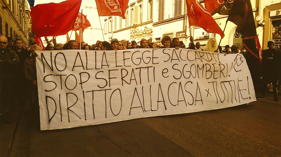 Corteo Firenze No Legge Saccardi (foto da twitter @OhTheGuilt1996)