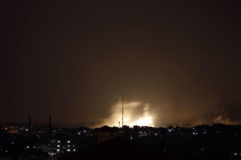 Bombardamenti su Gaza, 17 luglio 2014 (foto da twitter @RuzgarBeyZap06)