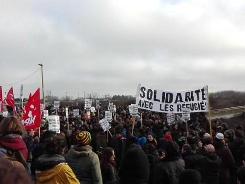 Corteo Calais (foto da twitter @mattilgale)