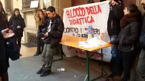 Blocchi Scienze Politiche (foto twitter @CuaBologna)
