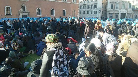 Sgombero piazza Venezia (foto twitter @bpm_roma)