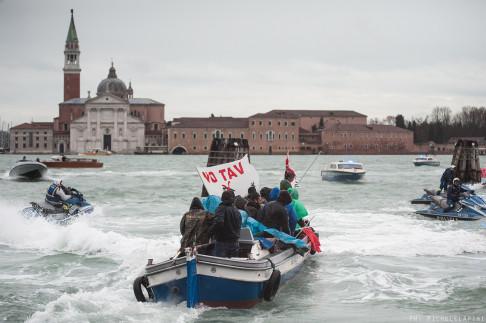 Proteste vertice Renzi-Hollande Venezia - ©Michele Lapini