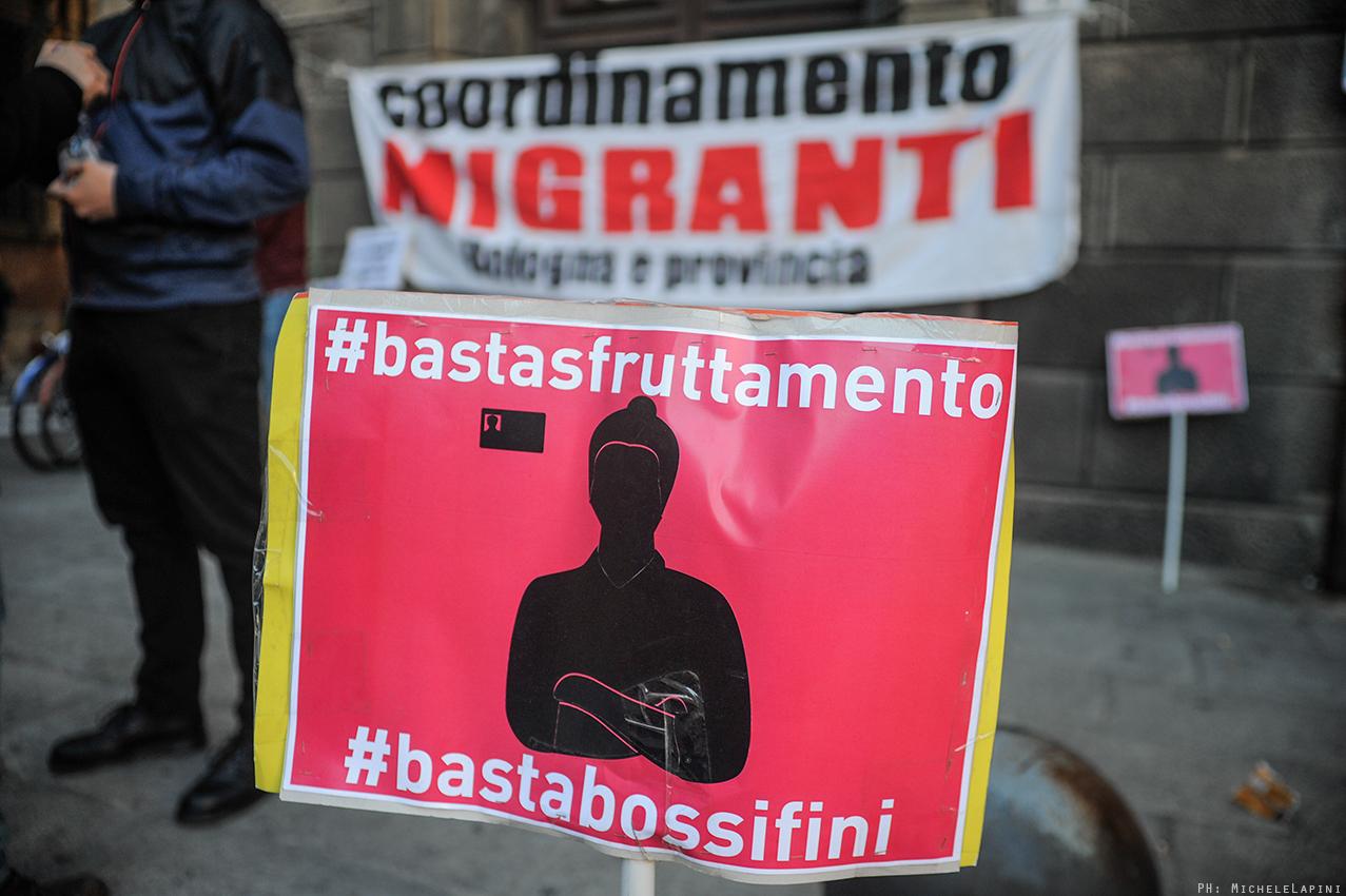 Basta razzismo istituzionale migranti in presidio for Questura di bologna permesso di soggiorno