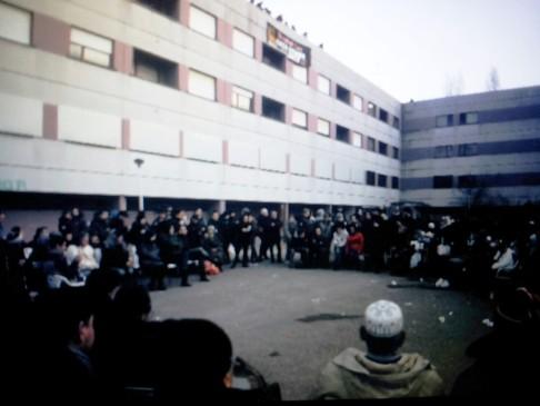 (assemblea in via Agucchi - foto Zic)