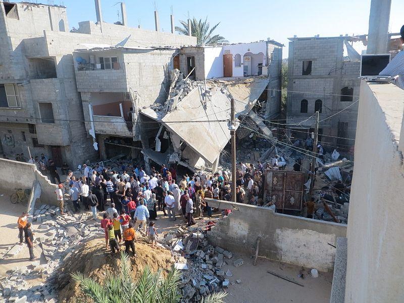 Abitazione colpita da bombardamenti a Gaza (foto Muhammad Sabah)