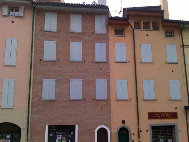 Via Azzo gardino 14