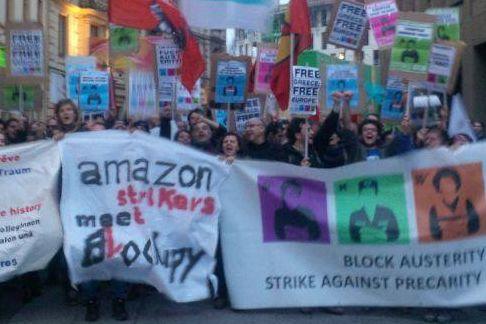 Lavoratori Amazon a Blockupy Frankfurt (foto da fb Connessioni Precarie)