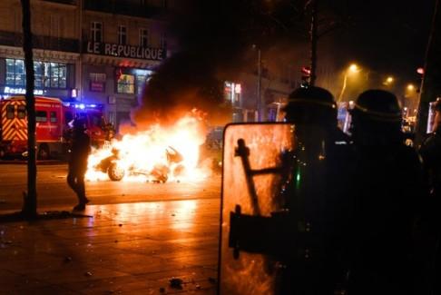 Foto da Paris-luttes