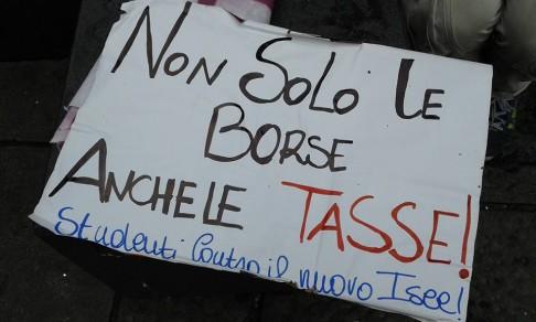 Repertorio - foto Fb Studenti contro il nuovo Isee