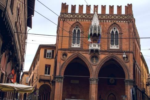 Palazzo delle Mecanzie (foto Steqqq/Wikimedia Commons)