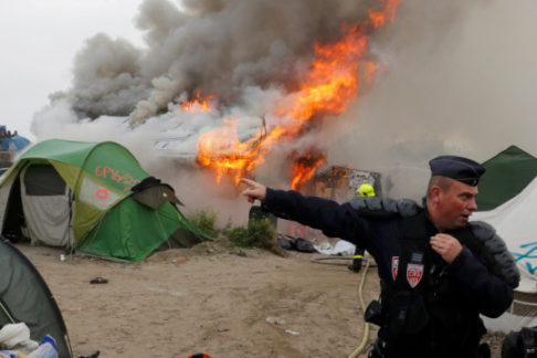 foto Calais Migrant Solidarity