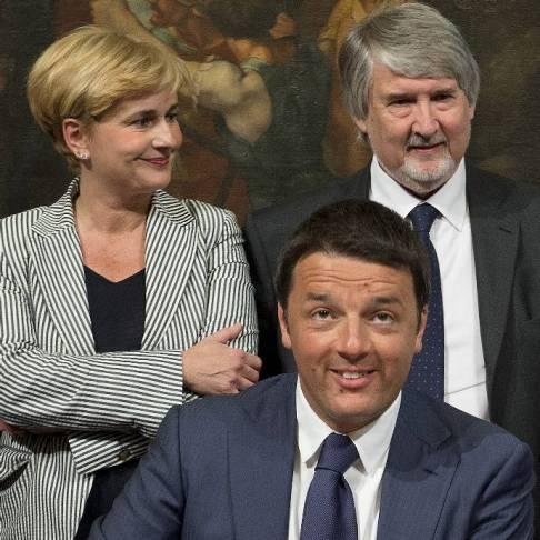Renzi con ministri Guidi e Poletti (foto Palazzo Chigi)