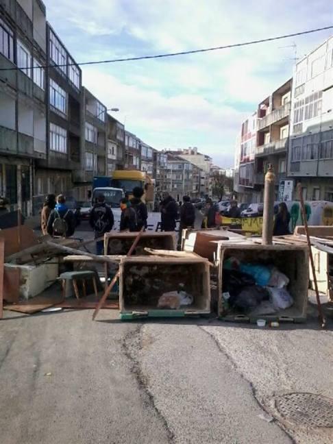 Lisbona, demolizioni e sgomberi a Santa Filomena(foto da fb STOP demolições)