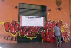 """Il manifesto dei comitati copre """"Piazza Verdi libera"""""""