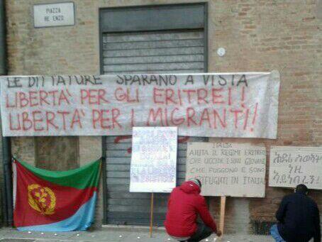 Presidio solidarietà reclute eritree (foto Zic)