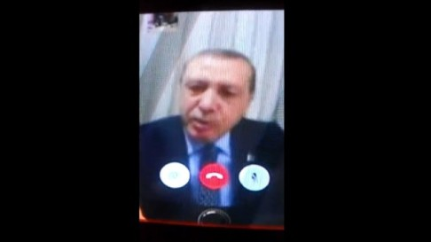 La videotelefonata di Erdogan durante il tentativo di golpe