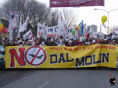 NO DAL MOLIN!