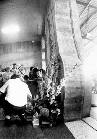 lapide strage stazione di bologna