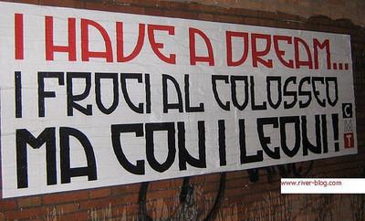 striscione anti gay a Roma