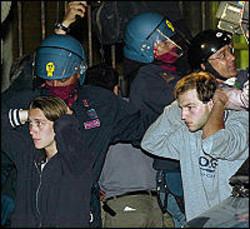 Genova '01. Irruzione alla scuola Diaz.